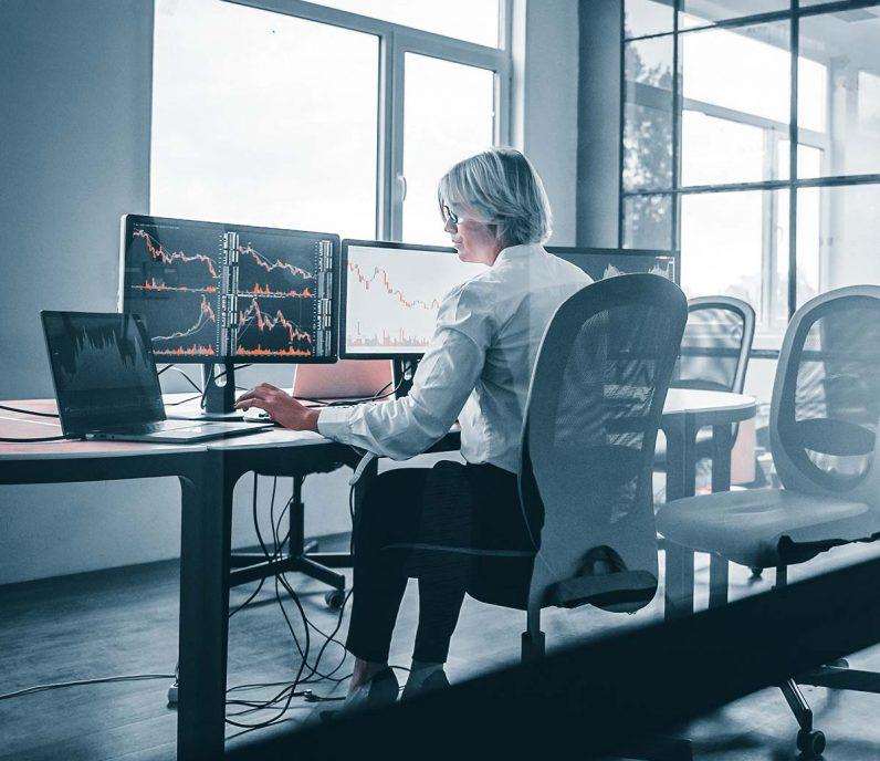 AML Detección de fraudes Thetaray servicios de ciberseguridad gestionada